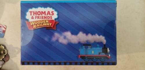 THOMAS /& FRIENDS WOODEN RAILWAY ~ DUSTIN COMES IN FIRST ~ ACCESSORY PACK MINT!!