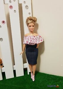 New-Curvy-ruffled-floral-top-and-denim-pencil-skirt-for-your-Curvy-dolls