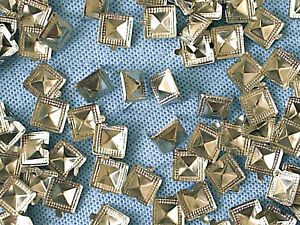 50-x-Pyramid-Clothing-studs-silver-colour-with-edge-pattern-12mm-STUD-005