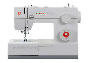 Singer-Sewing-Machine-CLASSIC-44S-with-23-Built-in-Stitches-REFURBISHED