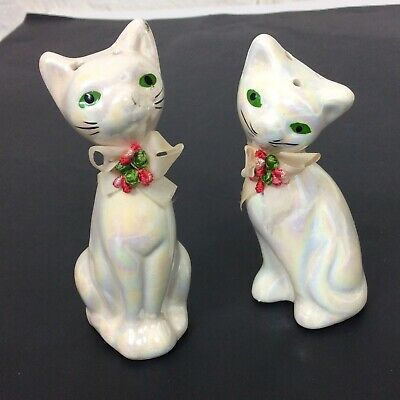 Brinn/'s Red Orange Cats with Green Eyes and Necklace Salt and Pepper Shaker Set