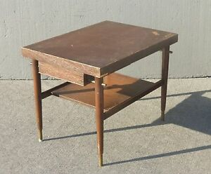 Vintage-Danish-Mid-Century-Modern-Style-End-Table-w-One-Drawer