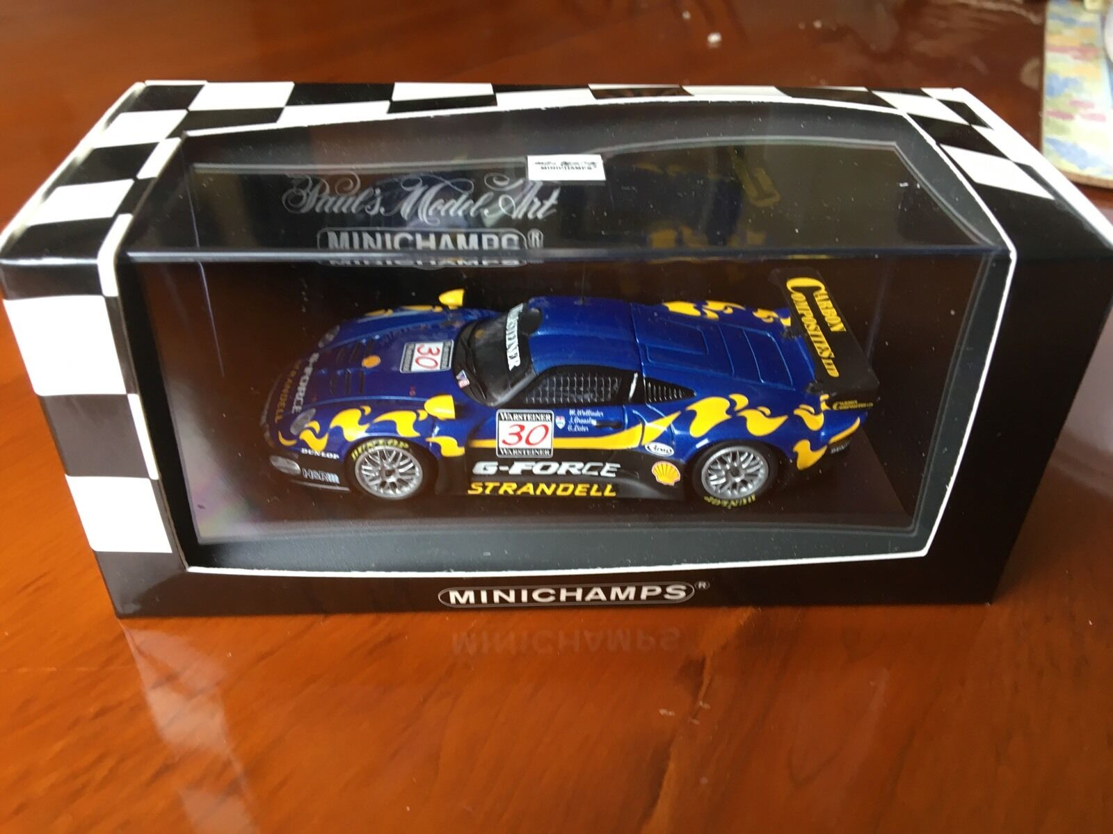 Minichamps Porsche 911 GT 1, FIA GT Series 1997. Team bluee Coral.