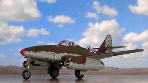 Corgi-AA35710-Messerschmitt-Me262A-1a-Rojo-7-Franz-GAPP-8-KG6-PODERSAM-mayo-de-1945