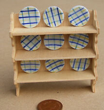 1:12 Natural Finish Shelves + 9 Checked Plates 1.7cm Doll House Miniature 3035-1