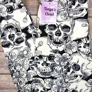 4a7056d6e76b4 Image is loading PLUS-Skull-Leggings-Black-White-Halloween-Print-Buttery-