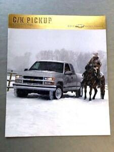 2001 Chevrolet Silverado Truck Deluxe 50-page Original Sales Brochure Catalog