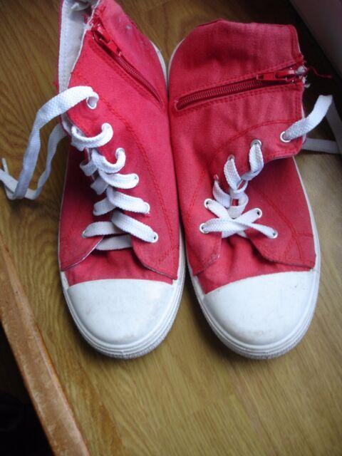 chaussure montante rouge de pointure 38