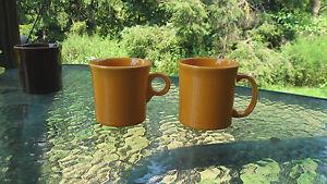 tom-amp-jerry-RING-COFFEE-MUG-marigold-FIESTA-WARE-10-OZ-ring-handle