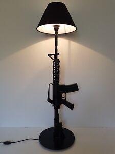 LAMPE-DESIGN-M4-NOIR-AR15-M16-chevet-bureau-table-lamp-light-SWAT-USA-army-colt