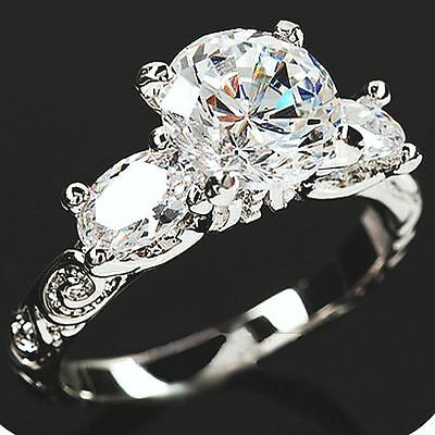 2.7 CT 18K WHITE GOLD ON SILVER BRILLIANT SIMULATED MOISSANITE RING_SIZE 6 & 3/4
