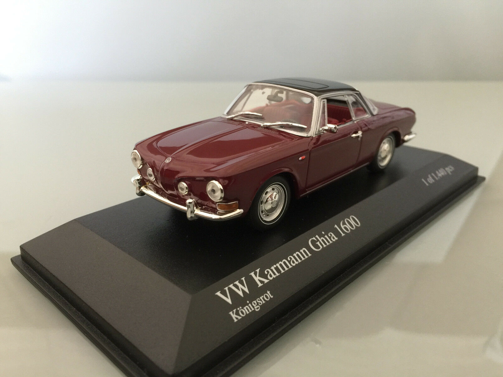 1 43 Minichamps VW Karmann Ghia 1600, 1966, königsrouge