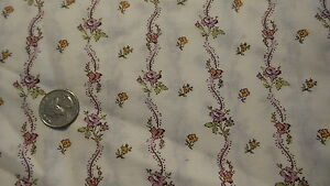 Vintage-Cotton-Fabric-CURVY-PURPLE-amp-GOLD-FLORAL-STRIPES-ON-WHITE-1-Yd-44-034-Wide