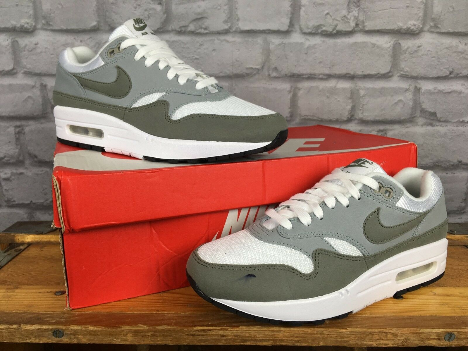 NIKE LADIES5 EU 38.5 Blanc LIGHT PUMICE AIR MAX 1 PREMIUM TRAINERS Vert