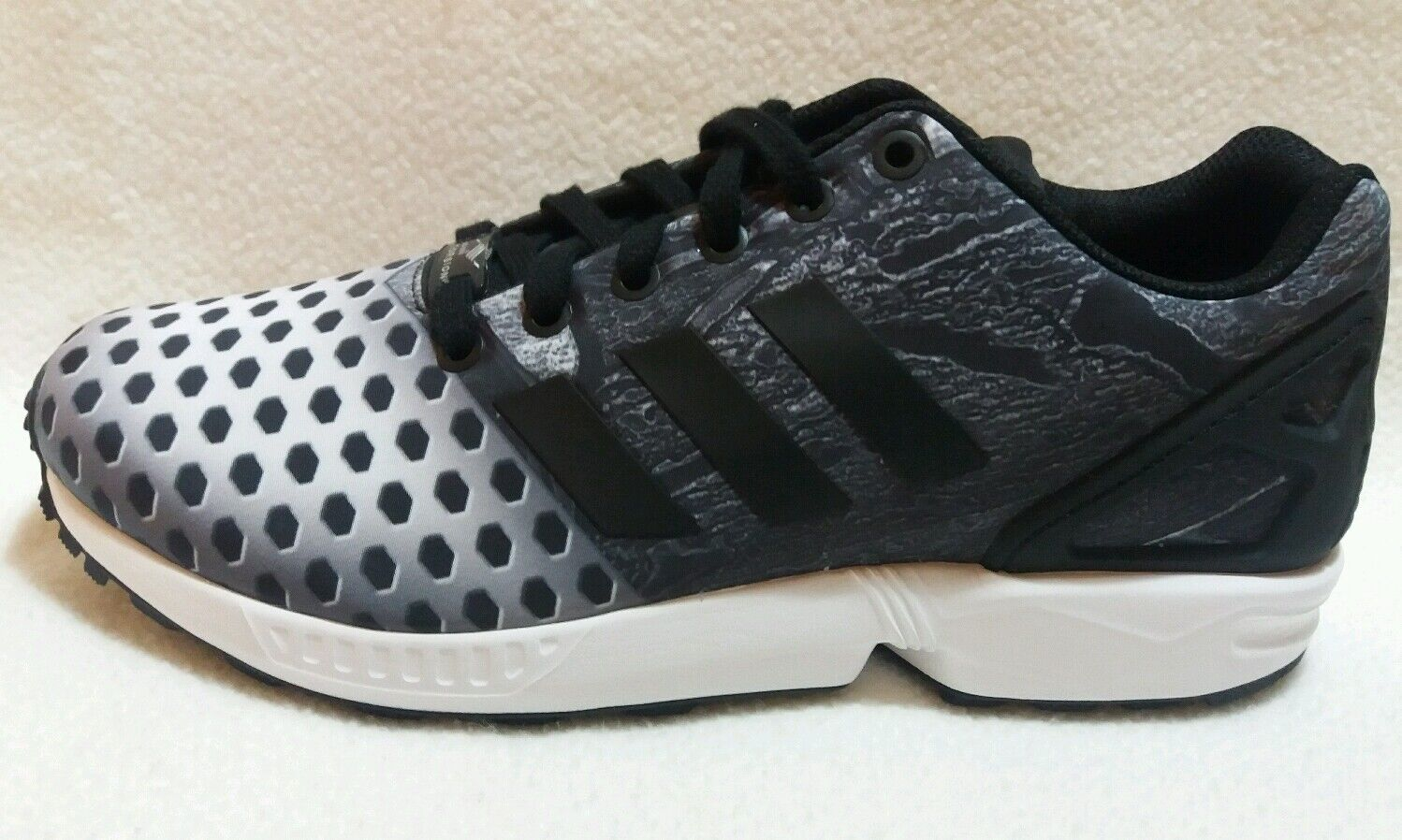 Adidas zx Flux Gray Negro / Blanco / Gray Flux Hombre Tamaño Athletic Zapatos originales 4dd9fd