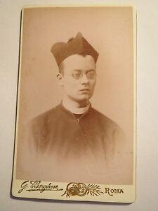 Rom-Roma-Geistlicher-mit-Brille-und-Hut-Priester-Portrait-CDV