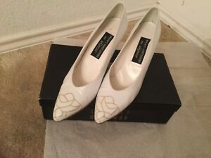 817be46eaad2 STUART WEITZMAN for Mr. SEYMOUR Leather Shoes White Heel size 8S