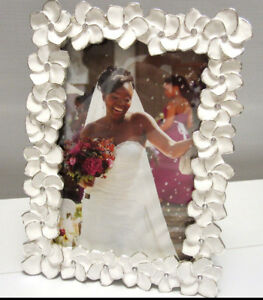 White-With-Silver-Flower-Jeweled-Frame-For-4x6-Photo-Wallmount-or-Tabletop