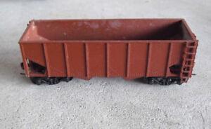 Vintage-HO-Scale-Varney-Overpainted-Brown-Coal-Hopper-Car