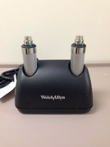 Welch Allyn Desk Universal Charger Amp 2 71670 Nicad Handles