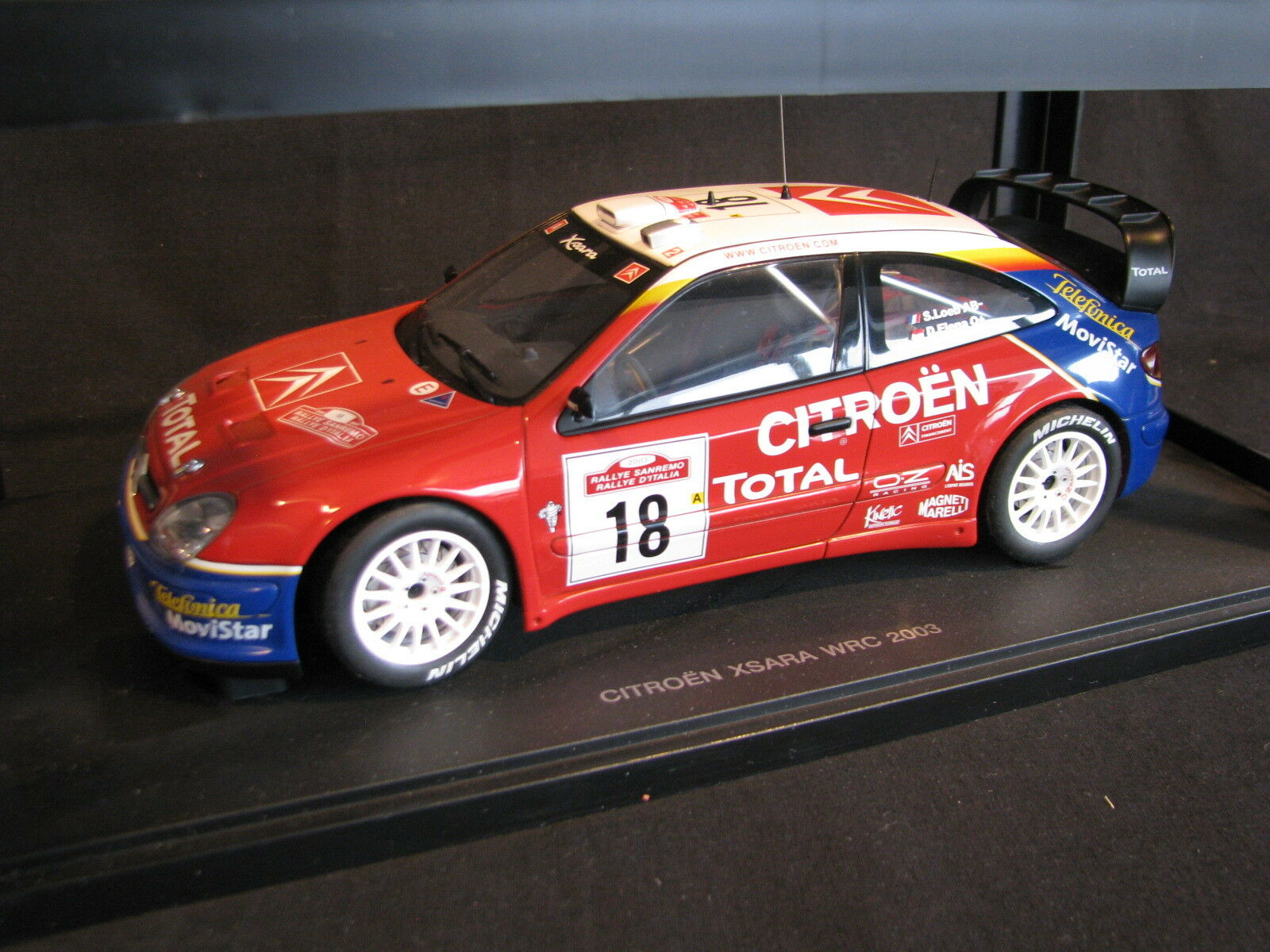 AutoArt Citroën Xsara WRC 2003 1 18  18 Loeb   Elena Sanremo Rally (AK)
