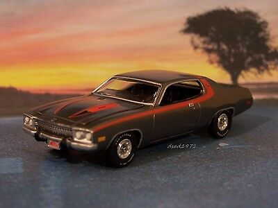 1973 PLYMOUTH ROADRUNNER / SEBRING / SATELLITE COLLECTIBLE MODEL - 1/64 DIORAMA