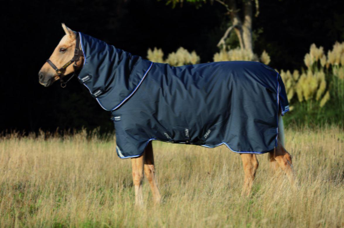 Horseware Amigo Bravo 1200d affluenza alle urne Tappeto PLUS con cappuccio Lite Blu Navy 0g 5' 6 7' 3