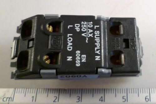 Genuine MK 4981 SAA W 10 A DP 1 Way Silver Switch//blanc SURROUND//insert OM1049D