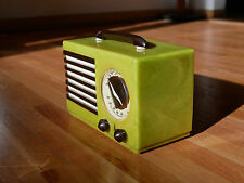 Emerson Catalin Radio Aristocrat Art Deco ArtDeco Green