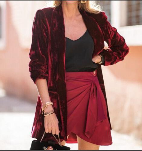 Alice + Olivia Red Kylie Crushed-Velvet Blazer Si… - image 1