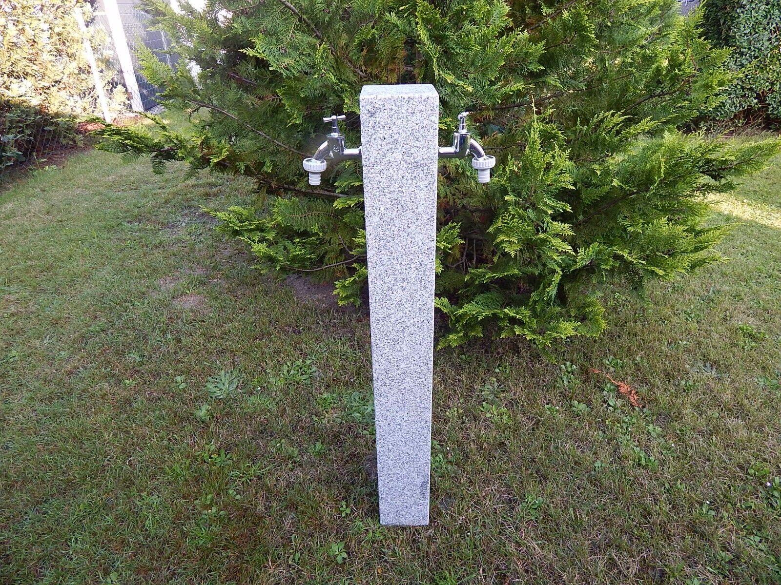 Wasserzapfsäule aus Granit mit 2  Außenwasserhähne Zapfstelle Palisade Stele