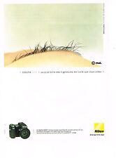 PUBLICITE ADVERTISING  2004   NIKON  appareil photo COOLPIX  8700