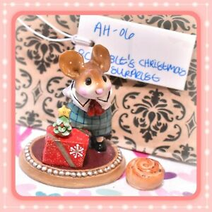 Wee-Forest-Folk-AH-06-Scrabble-039-s-Christmas-Christmas-Surprise-Holiday-Mouse