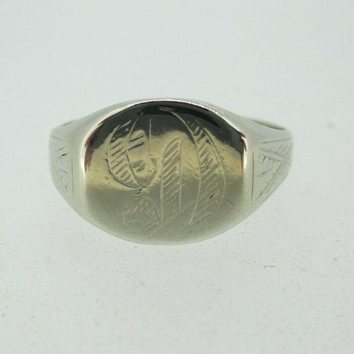 14k White gold Signet D Ring Size 13 3 4