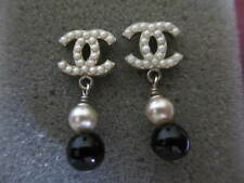 Authentic CHANEL CC  pierced  earrings (pearls-black)