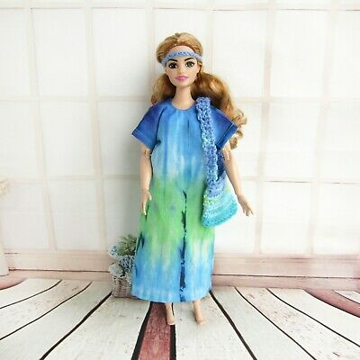 12 inch doll Shawl for barbies and dolls alike.