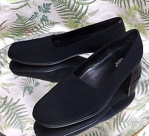 MUNRO-BLACK-FABRIC-LOAFERS-SLIP-ONS-BUSINESS-DRESS-HEELS-SHOES-WOMENS-SZ-7-5-M