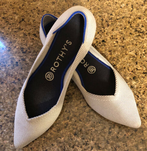 Rothys SZ 8 Pointed Toe Flat Light Gray With Blue