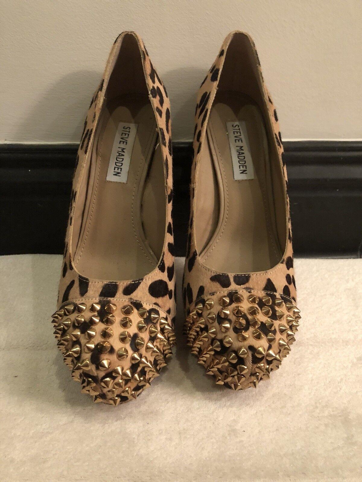 Steve Madden Leopard gold Spiked Toe Heel