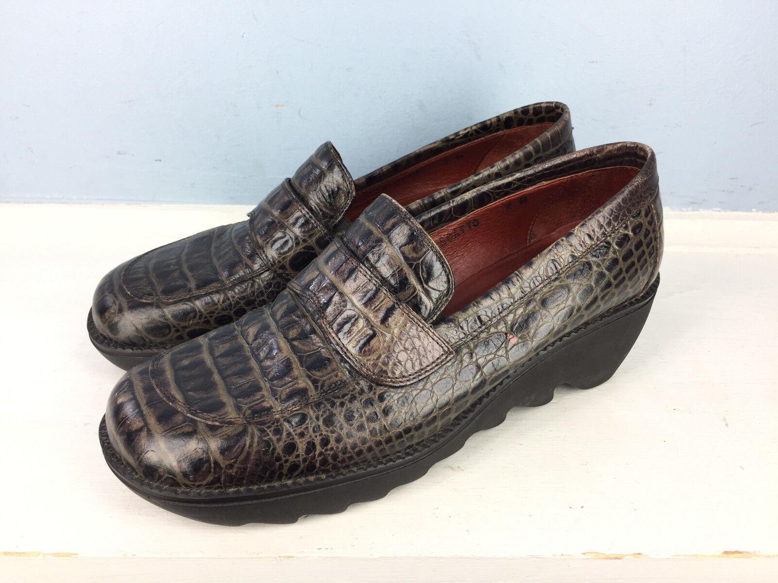 Donald J Pliner 7 Brown leather Snake Skin Embossed Wedge Platform Loafer EUC