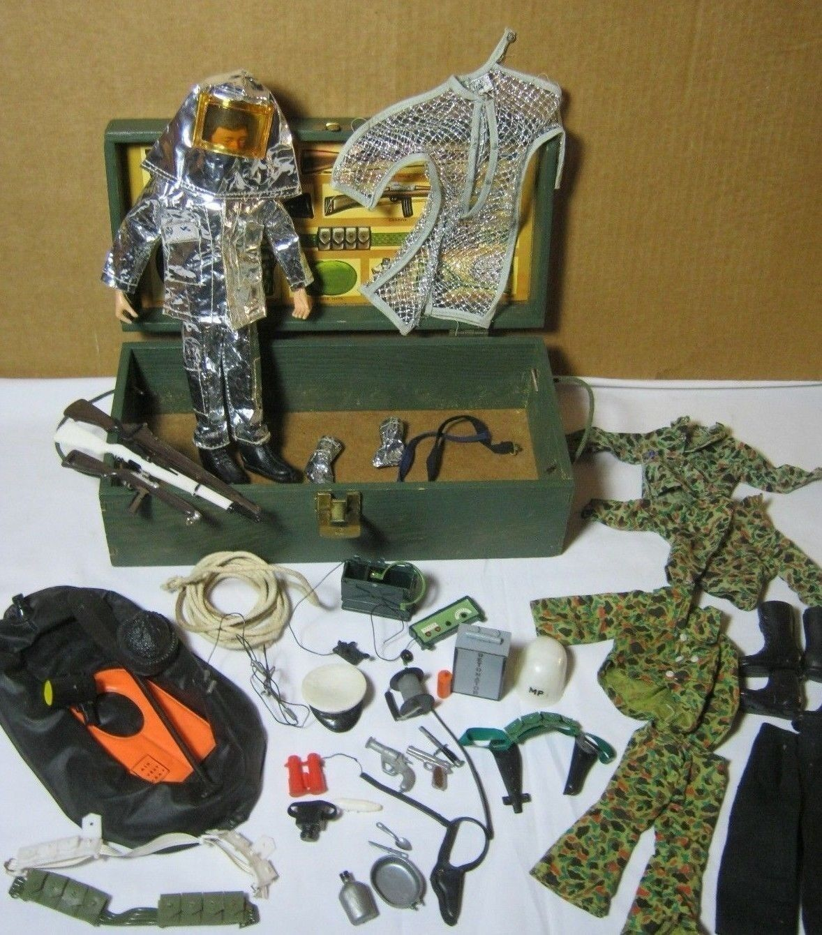 Vintage GI Joe Figure Action Pilot Crash Crew & High Voltage Escape & Misc    T
