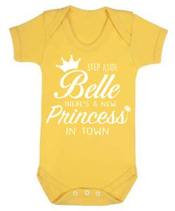 Spostatevi-BELLE-BABY-Gilet-Babygrow-Baby-REGALO-DISNEY-LA-BELLA-E-LA-BESTIA