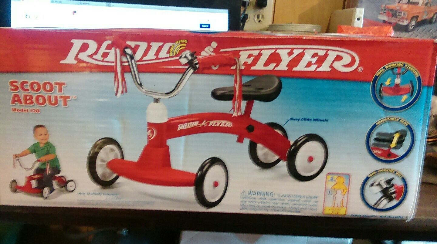 Radio Flyer Scoot-About in in in original box a36550