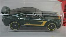 2015 FORD MUSTANG CUSTOM (Green) 1:64 Hot Wheels Diecast Passenger Car Sealed