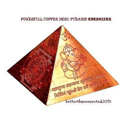 Kupfer Meru Pyramide mit Shri Yantra Vaastu Dosh Nivaaran Sudarshan Energizer