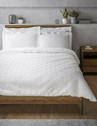 M/&S Pure Cotton Cut Square Bedding Set Duvet Cover Stylish Square Cut Look