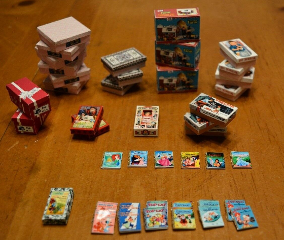 LARGE COLLECTION OF COOL CUSTOM DOLLHOUSE MINIATURE PLAY PIECES 1/12  SCALE