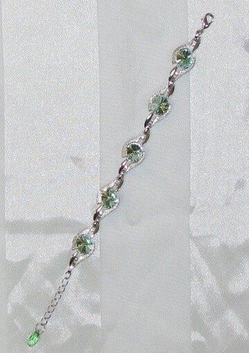 Made with SWAROVSKI CHRYSTOLITE colorD CRYSTAL ELEMENTS LINK STYLE BRACELET