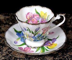 ROYAL STANDARD WINSOME GOLD TRIM BONE CHINA ENGLAND COFFEE TEA CUP SAUCER SET