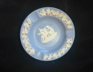 VINTAGE-WEDGWOOD-ASHTRAY-DIAMETER-11cm-MADE-IN-ENGLAND-PEGASUS